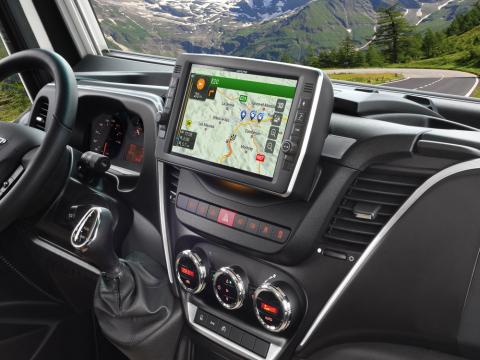 Iveco-Daily-Built-in-Navigation_X903D-ID